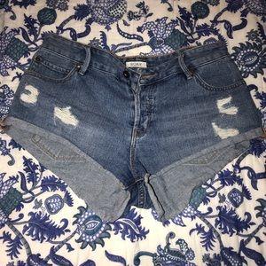 Roxy Mid-rise Jean shorts